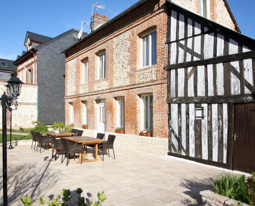 Terrace Le Petit Clos - Domaine du Clos Fleuri